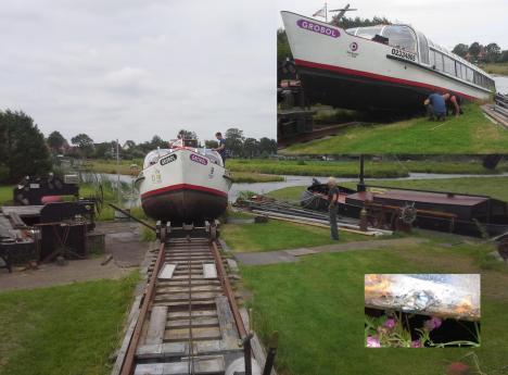 Rondvaartboot met pech